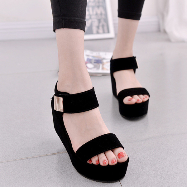 Lastest High Heel Sandals And Flip Flops Are One Of The Shoes Which Are A Big