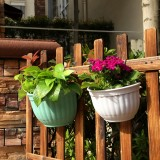 European Style Wall Hanging Pots Semi – circular Imitation Ieather Wall Hanging Basin Indoor and Outdoor Potted Pots, 22*13*18cm (Random Color)