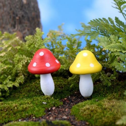 Woody Mushroom Wooden Mini Mushrooms Decoration Crafts Micro-landscape Ornaments Accessories Multi-meat Ornaments (Random Color)