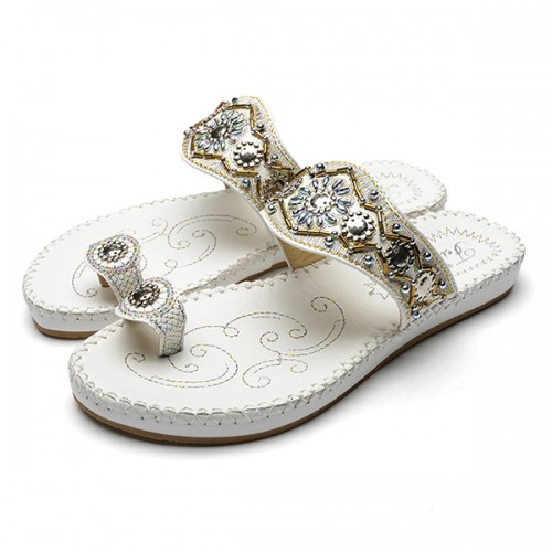 Women Bohemia Sandals Clip Toe Flat Embroidery Casual Beach Slipper