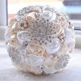 Wedding Holding Pearl Diamond Flowers Bridal Bouquet Accessories Bridesmaid Rhinestone Party Wedding Decoration Supplies (Milk White+White)