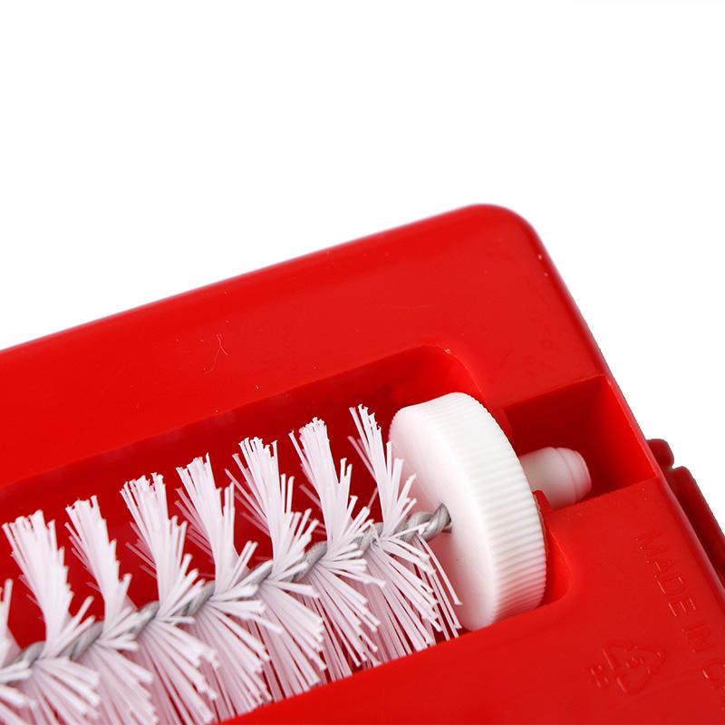 Plastic Hand-held Carpet Debris Brush Sofa Carpet Pet Hair Brush Multi-functional Dust Magnetic Brush Cleaning Tools