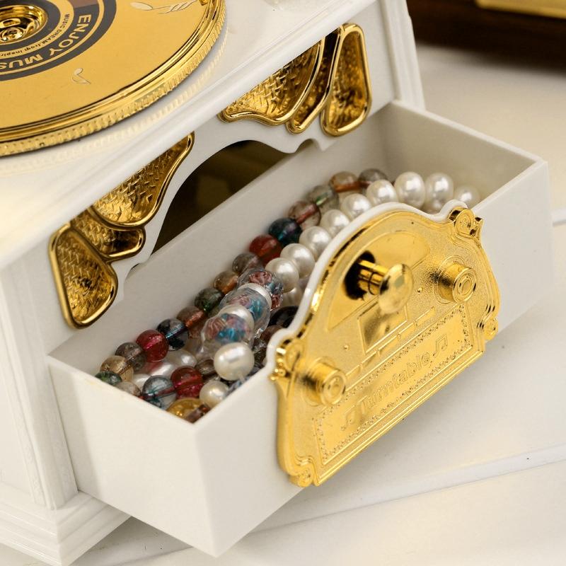 Retro Phonograph Style Jewelry Sky City Music Box Home Decoration, Random Color