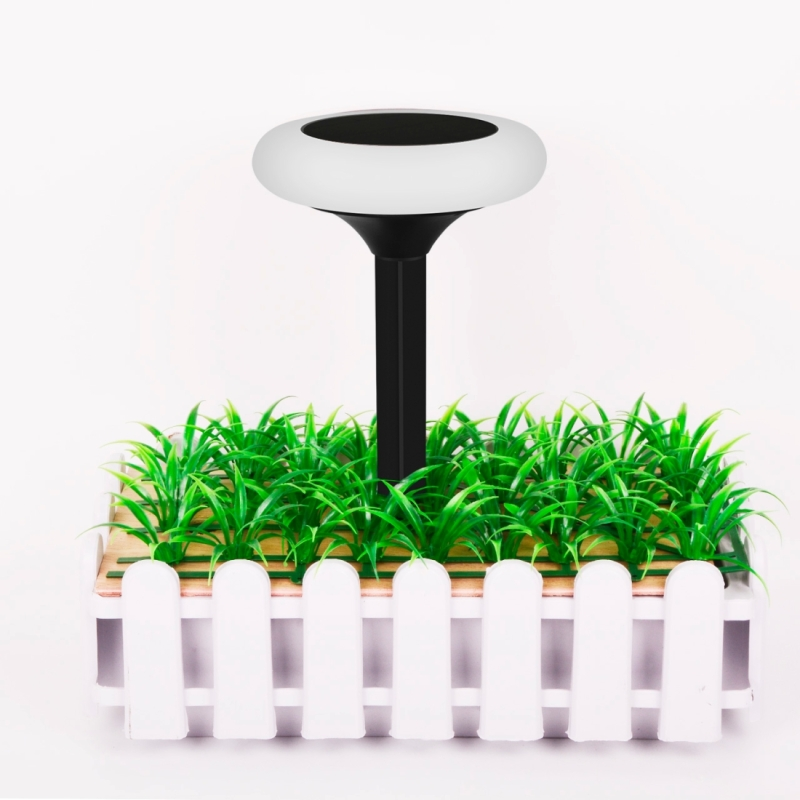 YY-510 Solar Power Light, Environmental Friendly Light Control Lawn Garden Courtyard Pitch Colorful LED Light Lamp with 5.5V / 0.72W Solar Panel