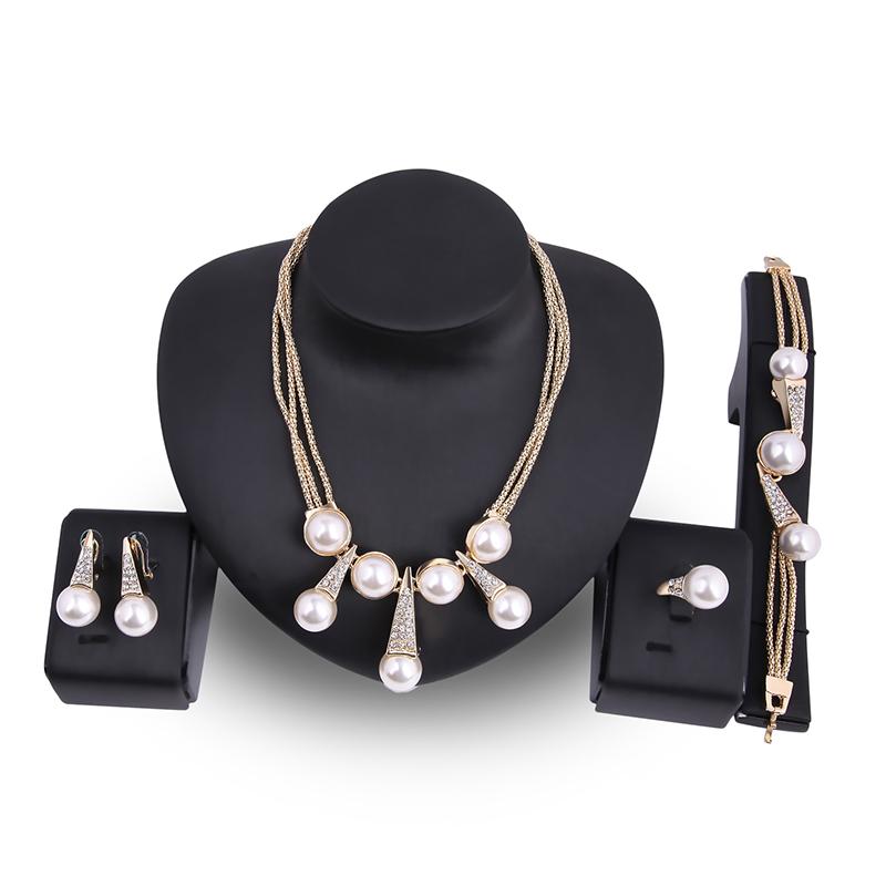 Luxury Bridal Jewelry Pearls 18k Gold Charm Necklace Bracelet