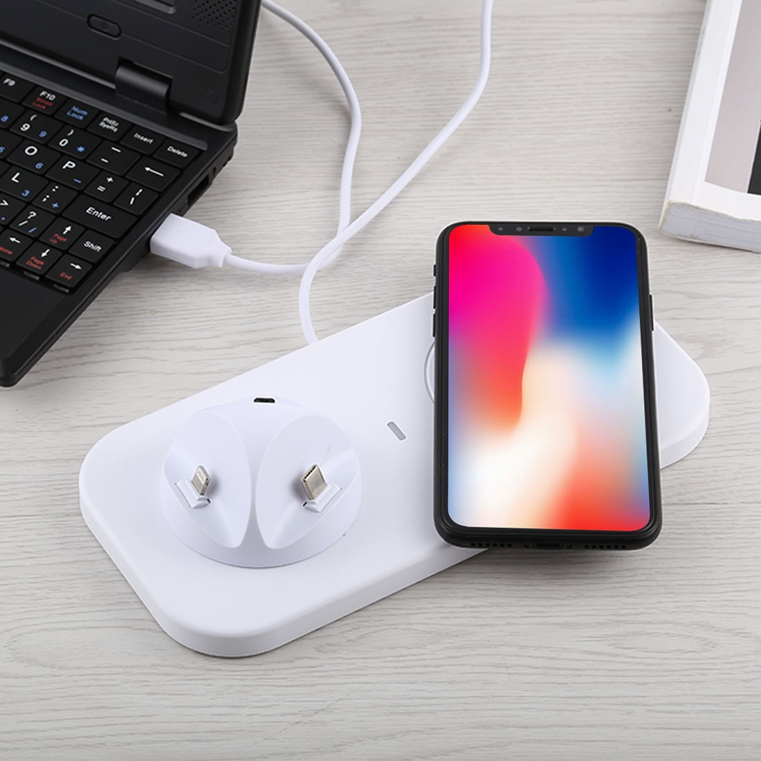 USB to 3 in 1 (8 Pin + Micro USB + USB-C / Type-C) Dock Charger Desktop Charging Data Sync Stand Station Holder with Qi Wireless Charger & USB Cable