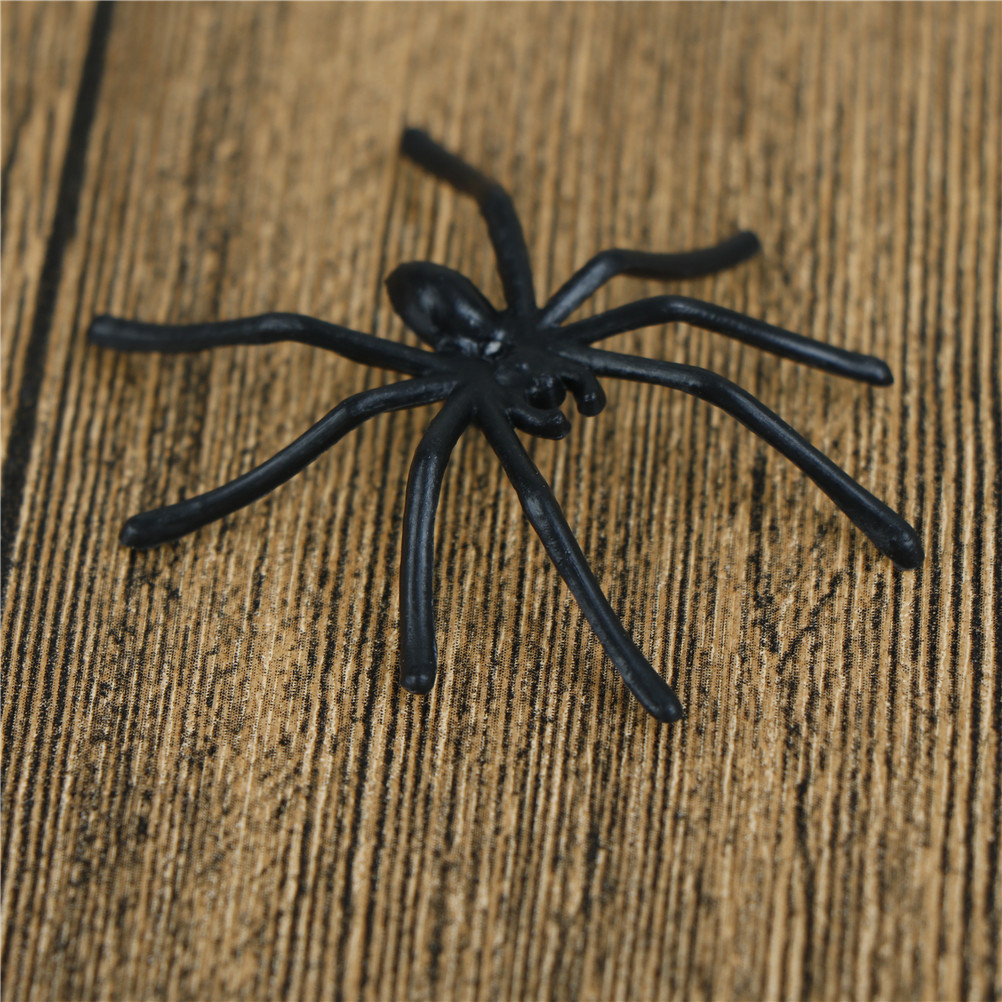 30Pcs Pack Halloween Decorative Spiders Small Plastic Fake Spider Prank Haunted House Decorations