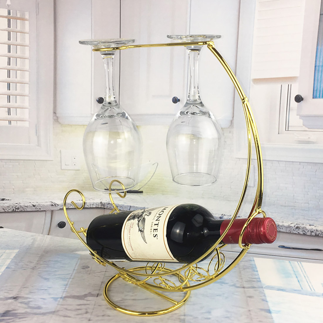 Creative European Metal Retro Pirate Ship Wine Rack Hanging Wine