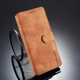 DG.MING Retro Oil Side Horizontal Flip Case for Galaxy Note9, with Holder & Card Slots & Wallet (Brown)
