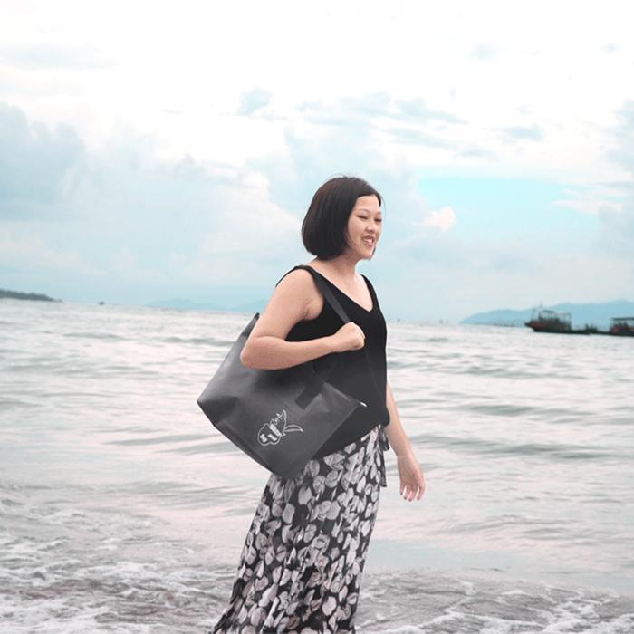 Outdoor Wear-resistant Waterproof Shoulder Bag Dry and Wet Separation Swimming Bag (Khaki)