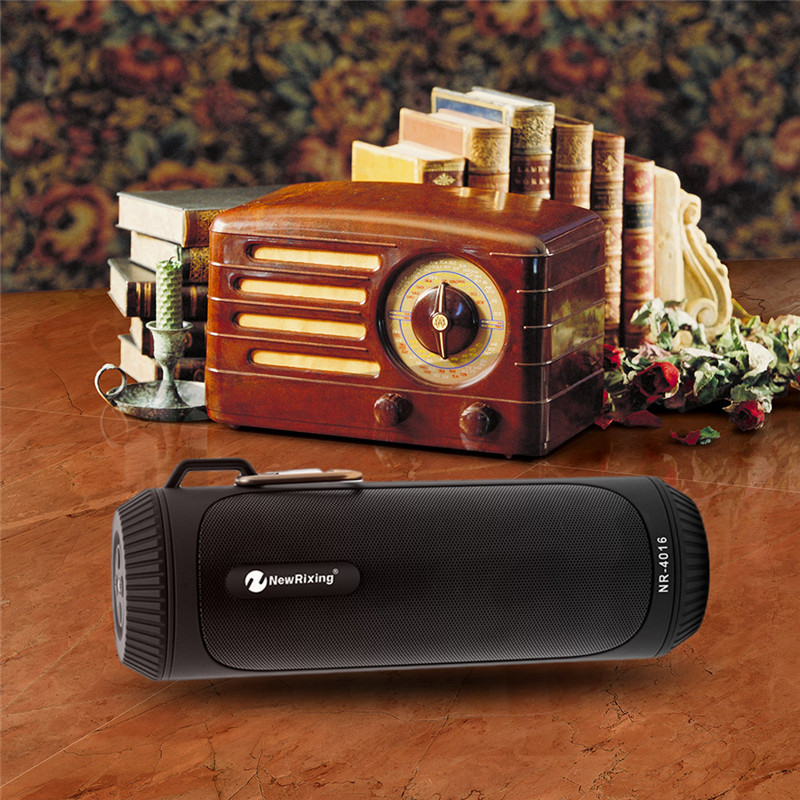NewRixing Portable Wireless bluetooth Speaker Flashlight FM Radio TF Card Handsfree Stereo Outdoors Waterproof Speaker