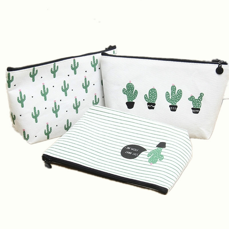 Small Fresh Cactus Cosmetic Bag Multi-Functional Canvas Hand Storage Bag Toiletry Storage Box (Four cactus)