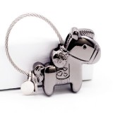 Couple Keychain with Magnet Creative Metal Small Gift Car Bag Pendant (Black)