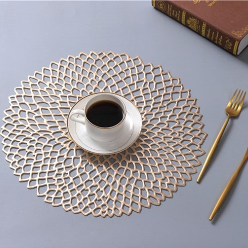 2 PCS Table Bowl Mats Home Decor Placemat For Dining Table PVC Plastic Hollow Insulation Round Baroque Mediterranean Coaster Pads (Gold)