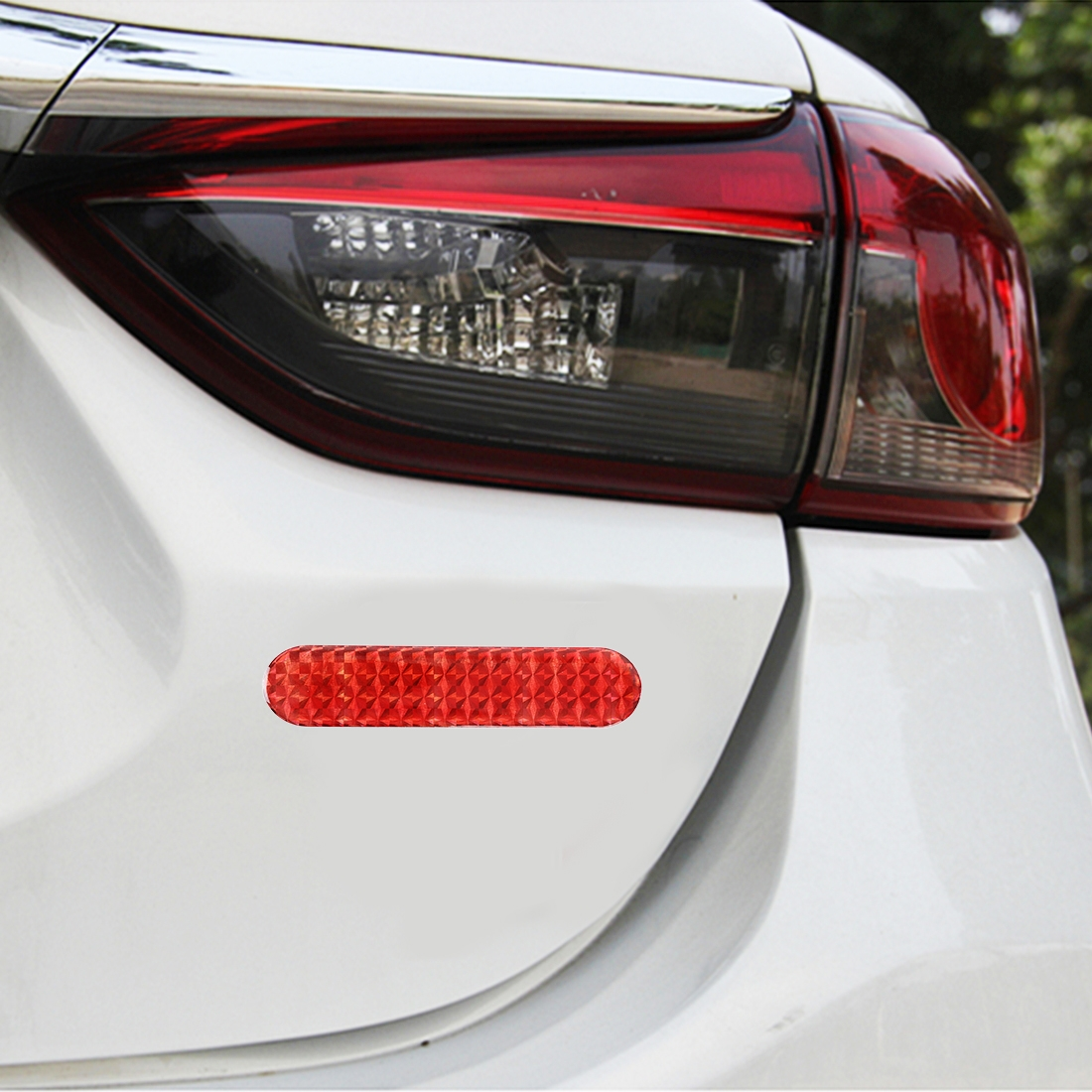 2 PCS High-brightness Laser Reflective Strip Warning Tape Decal Car Reflective Stickers Safety Mark (Red)