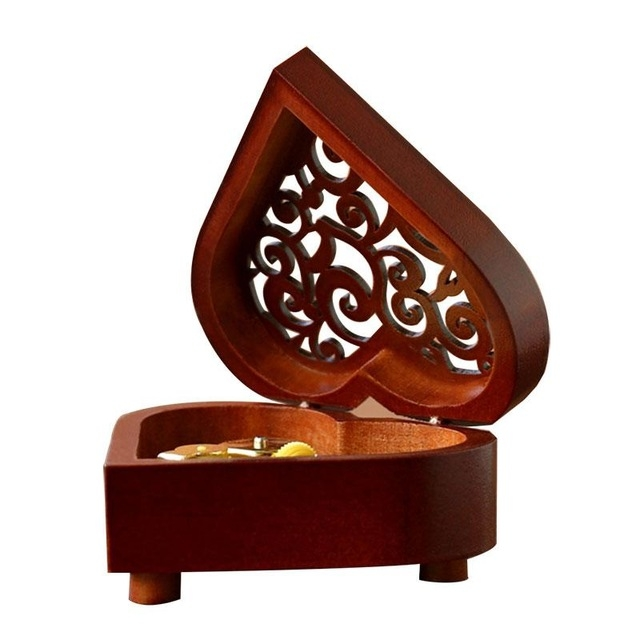 2 PCS Creative Heart Shaped Vintage Wood Carved Mechanism Musical Box Wind Up Music Box Gift, Golden Movement (Happy Birthday)