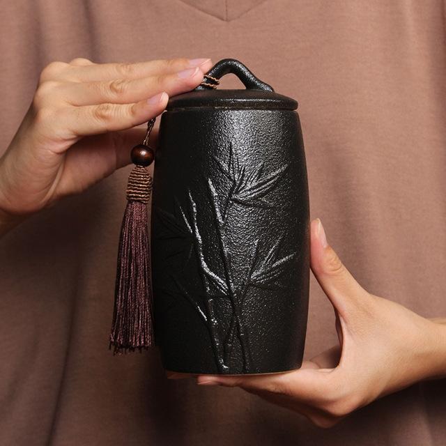 Chrysanthemum Pattern Stoneware Tea Cans Storage Tanks Ceramic Tea Set Tea Ceremony Accessories (Black)
