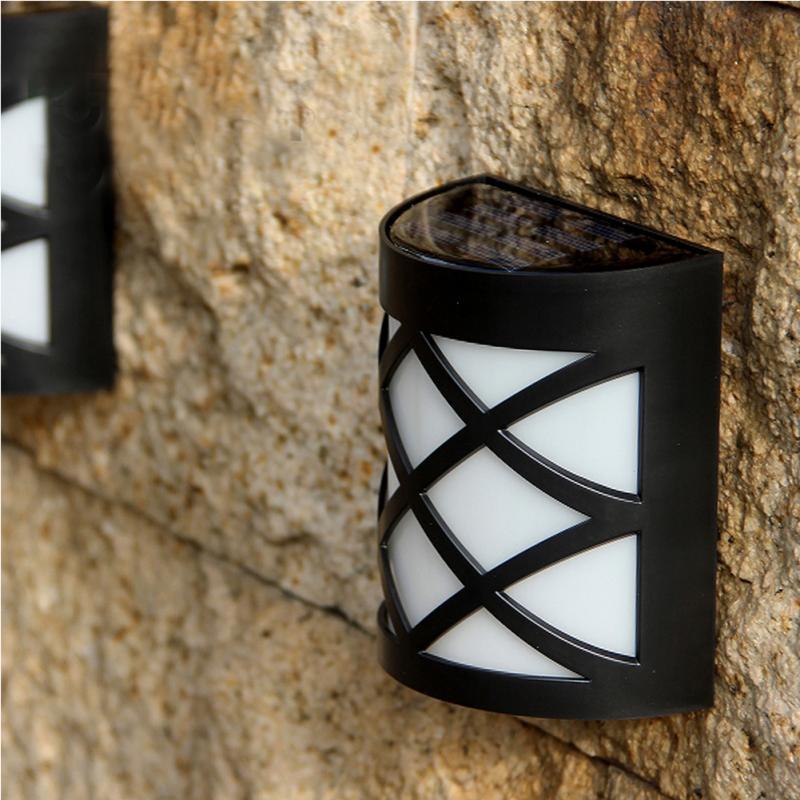 Solar Powered LED Wall Light Outdoor Waterproof Energy Saving Street Garden Lamp (Warm White)