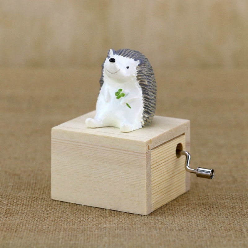 Mini Cute Animal Wooden Hand-cranked Music Box, Music: City in the Sky (Little Hedgehog)