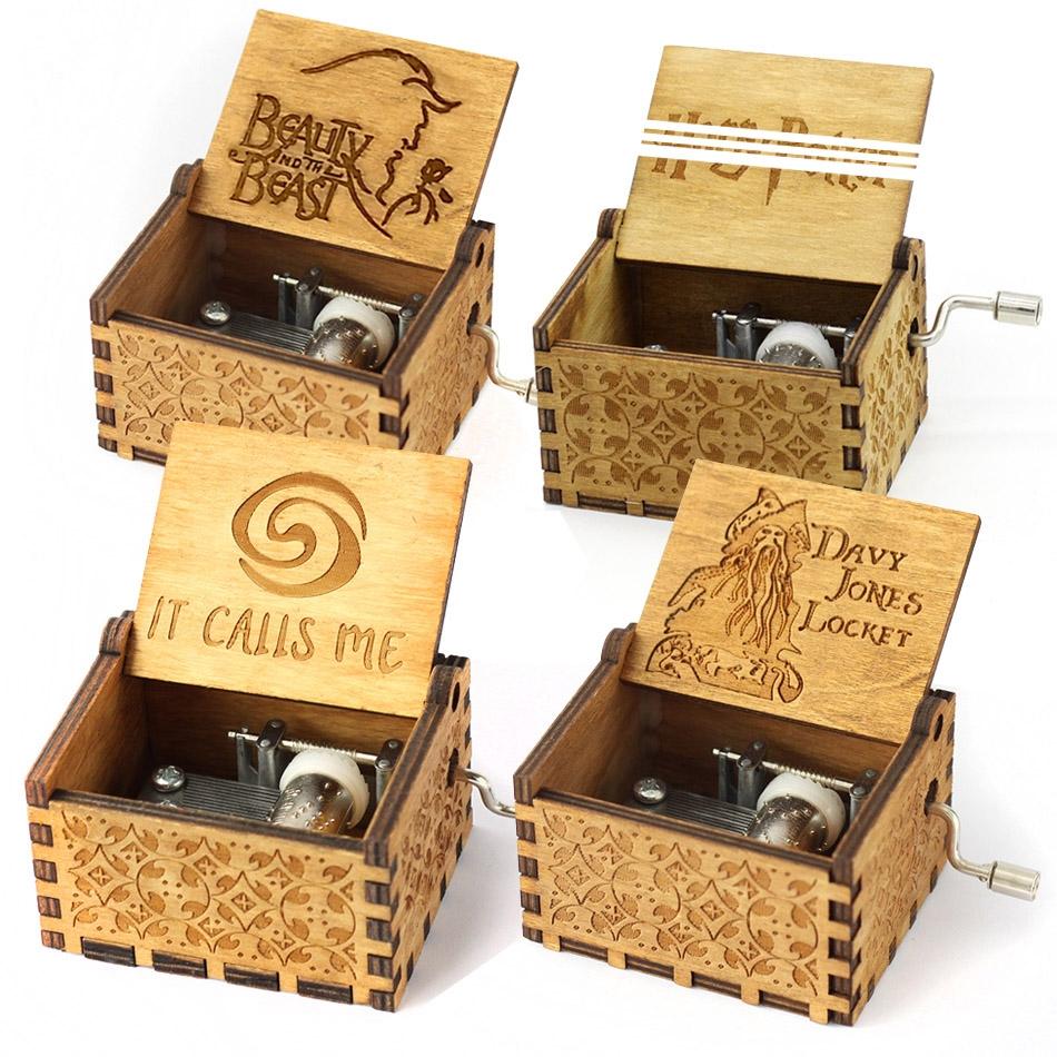 Retro Wooden DIY Music Box Mini Hand-cranked Creative Music Box (You Are My Sunshine)