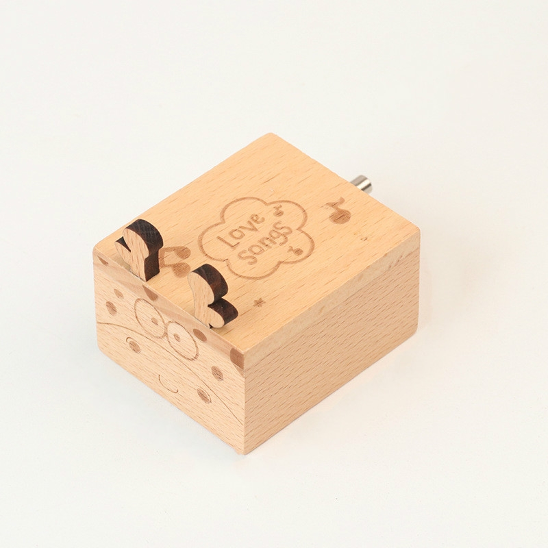 Wooden Creative Hand Shake Music Box Music Children Birthday Gift Student Gift (Deer)