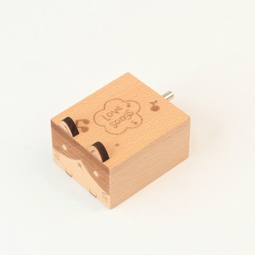 Wooden Creative Hand Shake Music Box Music Children Birthday Gift Student Gift (Kitten)