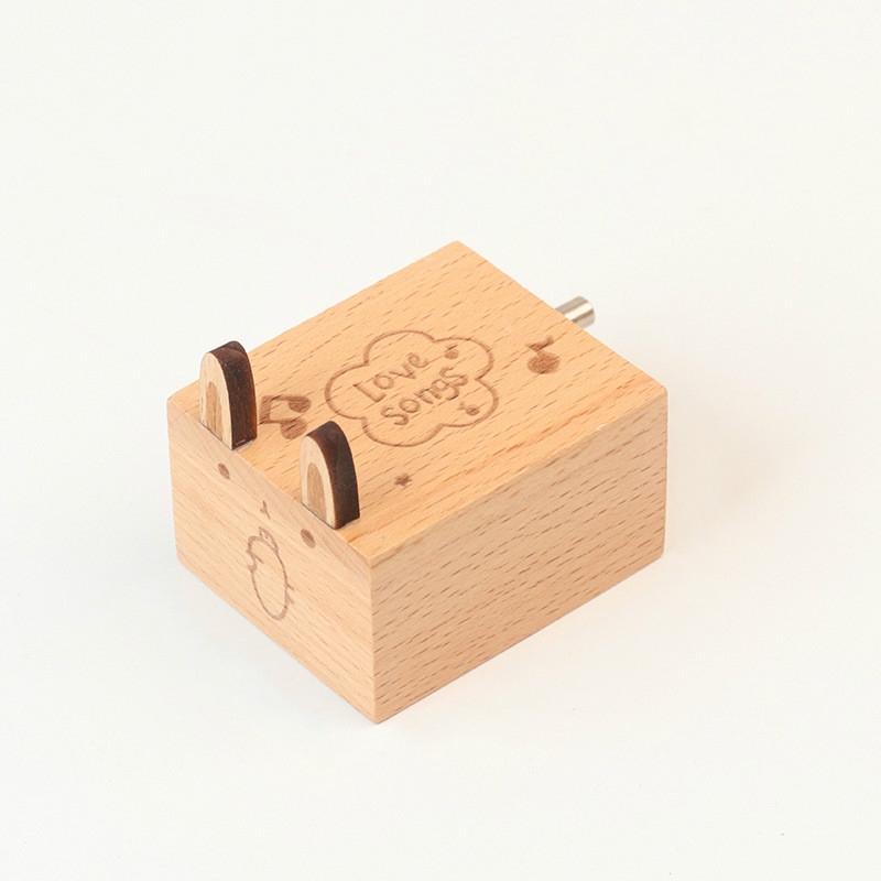 Wooden Creative Hand Shake Music Box Music Children Birthday Gift Student Gift (Bunny)