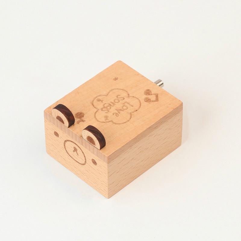 Wooden Creative Hand Shake Music Box Music Children Birthday Gift Student Gift (Little Bear)