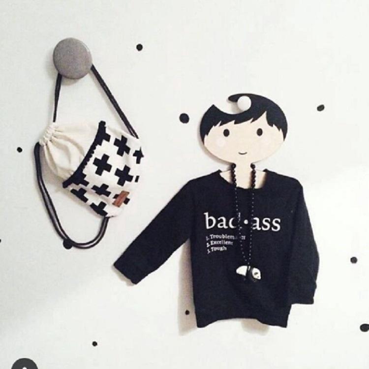 Wooden Boy Hanger Children Room Children Clothing Store Decorative Photography Props (Black)