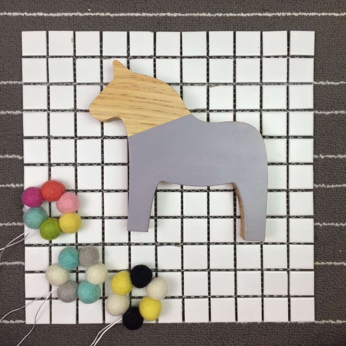 Wooden Pony Ornaments Children Room Toys Creative Photography Photo Props (Gray)