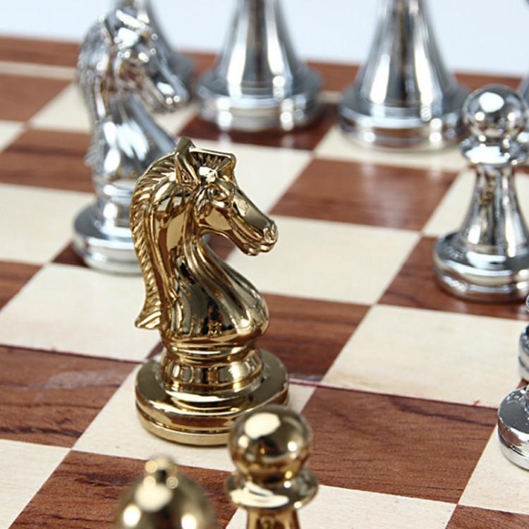 Zinc Alloy Simple European Chess Board Chess Set