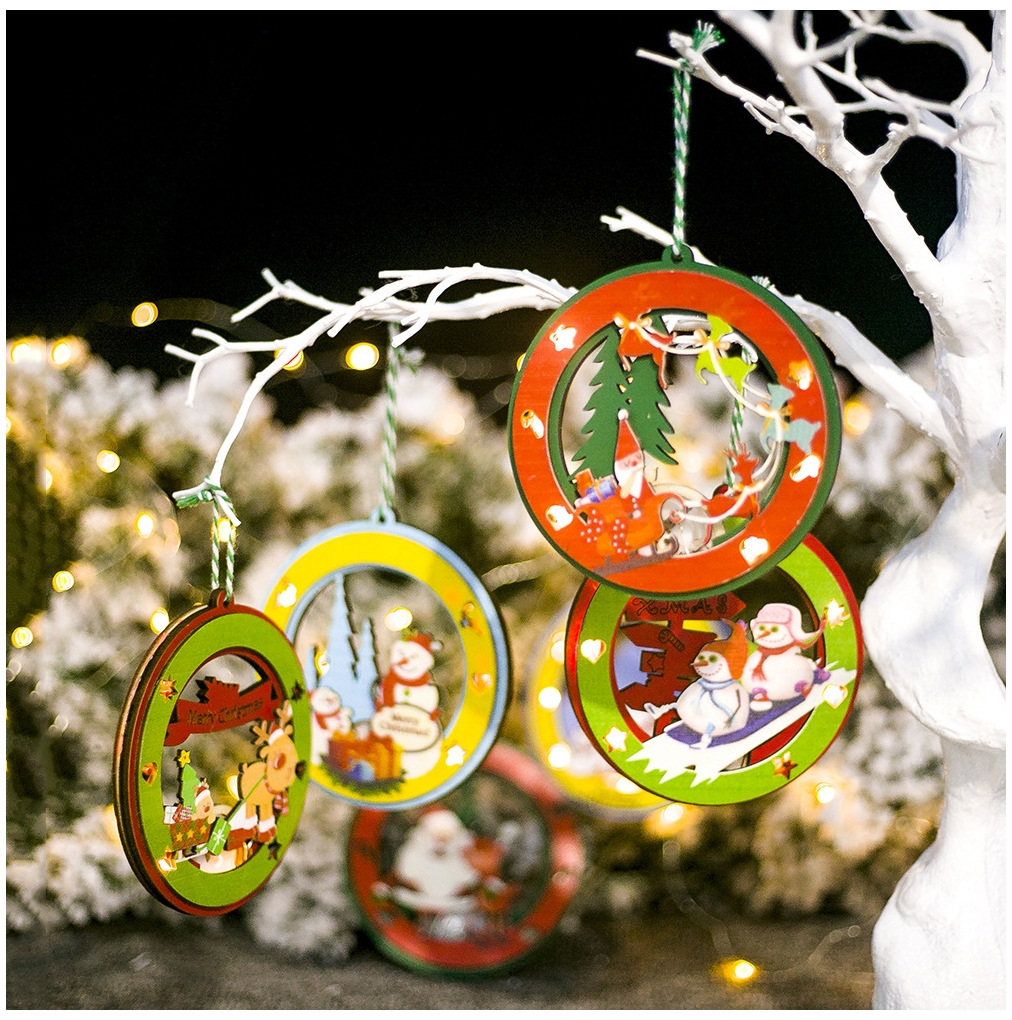 2 PCS Christmas Decorations Painted Wooden Three-Dimensional Santa Claus Lights Pendants Creative Christmas Tree Small Listing (Green Snowman)
