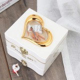 YL2047 Classic Nostalgic Music Box Dancing Girl Clockwork Simulation Eight-toneJewelry Box (White)
