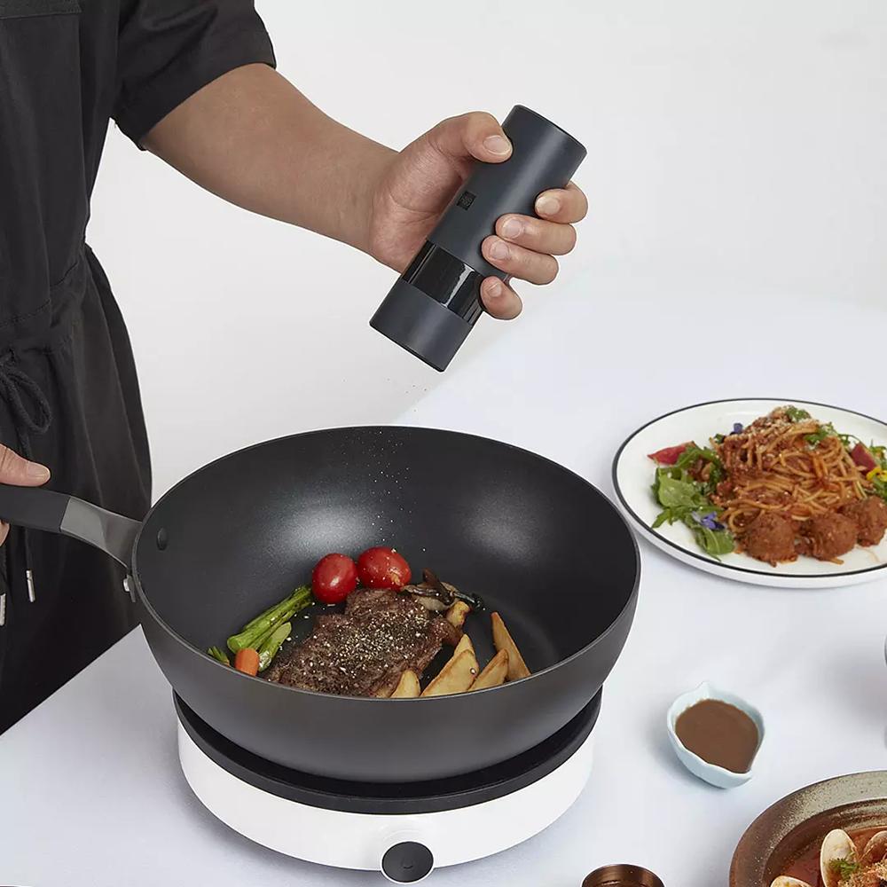 HUOHOU Electric Grinder Automatic Salt Pepper Grinder Herb Pepper Spice Gadgets for Kitchen Smashing Mashing Kitchen Tools Black